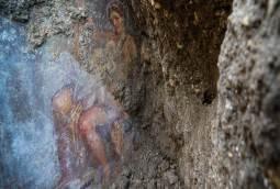 The fresco ''Leda e il cigno'' (Leda and the swan)